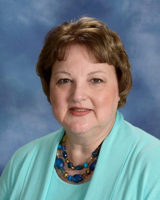 Darlene Hoard : Administrative Assistant